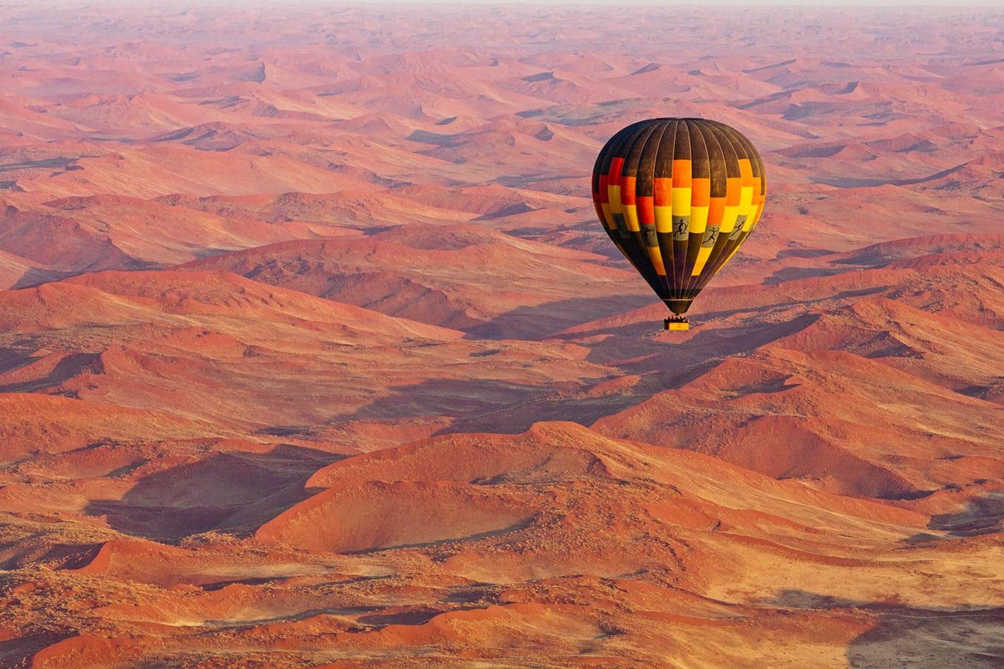 As 101 melhores experiências de viagem do mundo – Escala as dunas de areia de Sossusvlei, Namíbia