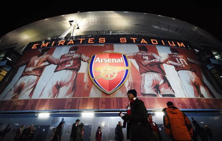 Milionário africano diz que vai comprar o Arsenal em 2021