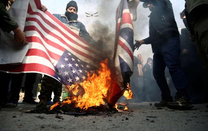 Rockets disparados contra embaixada e base dos EUA em Bagdad