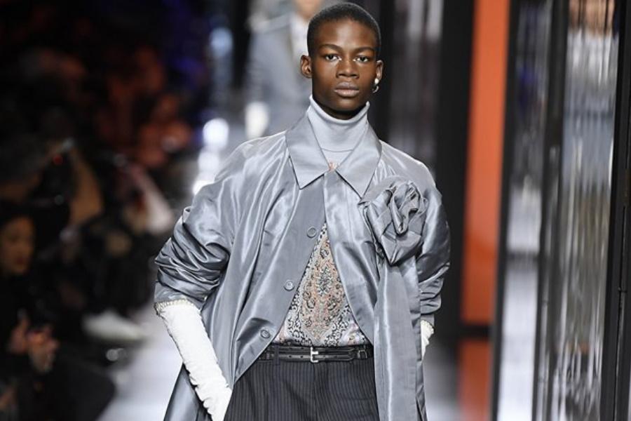 Moda masculina: a Dior apresenta um homem muito Alta-costura