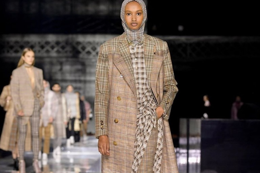 Desfile neutro em carbono, a Burberry lança a tendência no London Fashion Week