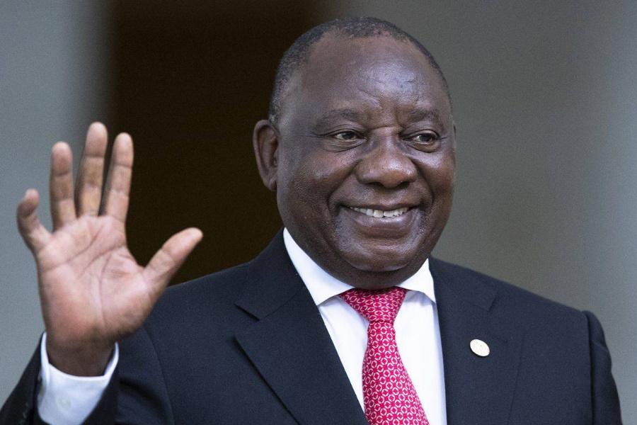 Líder da UA quer resolver conflitos em África