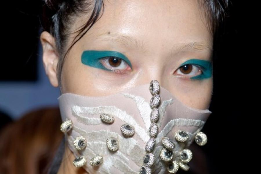 Será a máscara cirúrgica, um novo acessório na moda?