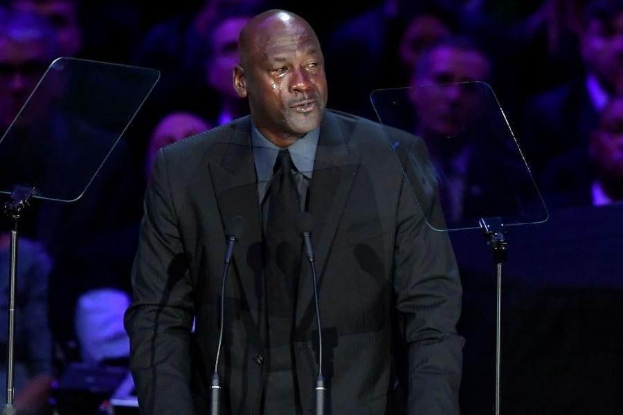 """""""Uma parte de Michael Jordan"""" foi-se com Kobe Bryant"""