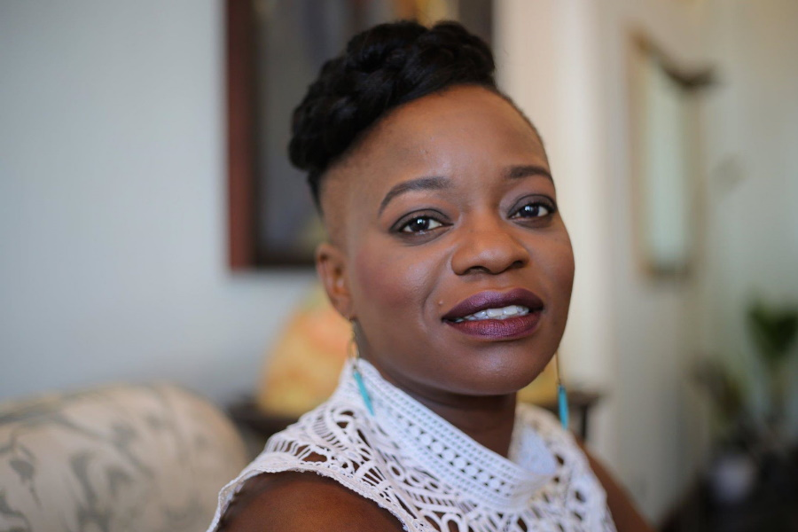 NneNne Iwujy-Eme…união poética entre o lixo e o talento moçambicano