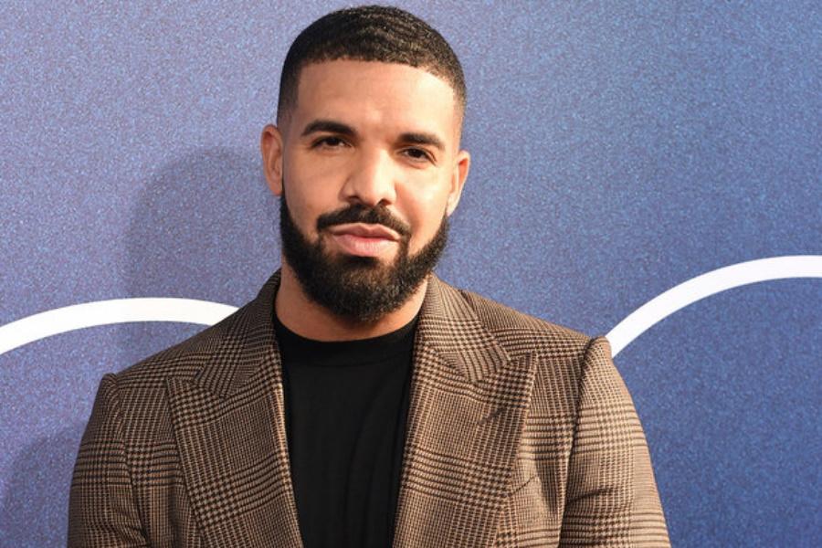 """Drake chama à mãe da filha de """"falhada"""""""