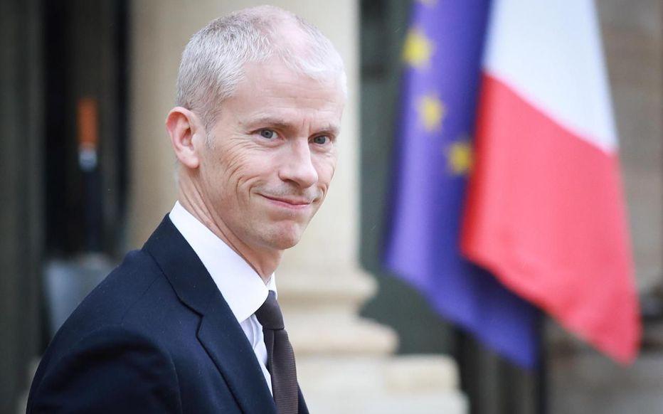Ministro francês da Cultura infectado com Covid-19