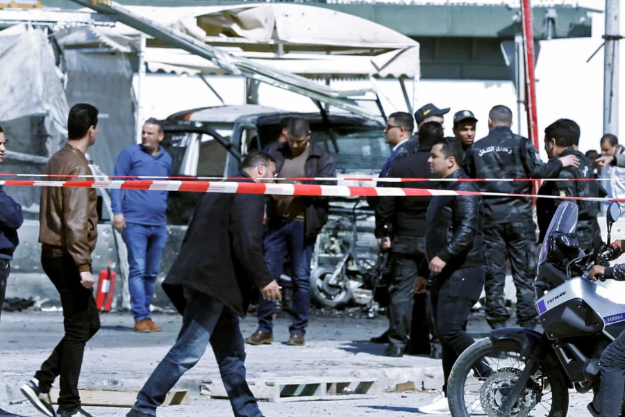 Homem explode-se na Tunísia