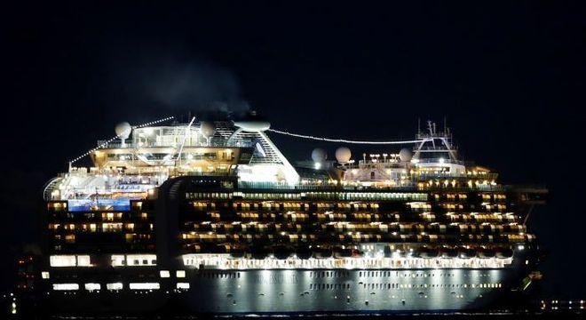 Japão conclui desinfecção em navio afectado pela covid-19