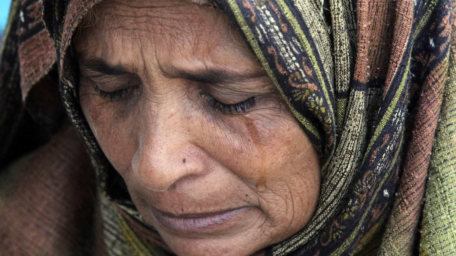 Mulheres são apedrejadas em marcha do 8 de Março no Paquistão