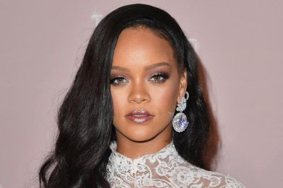 Rihanna solidariza-se e doa 5 milhões de dólares para combater coronavírus