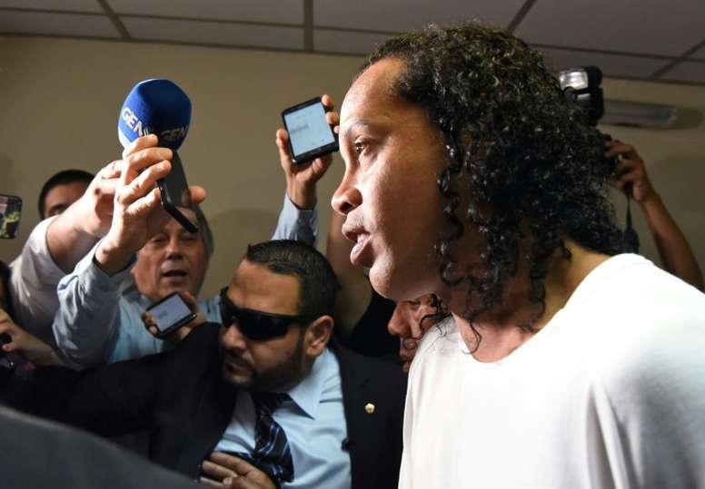 Grande preocupação de Ronaldinho na prisão não é ele mesmo