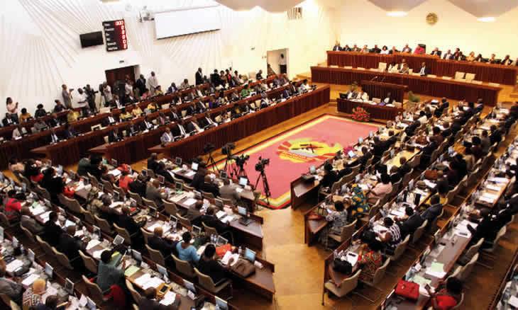 Parlamento ratifica estado de emergência