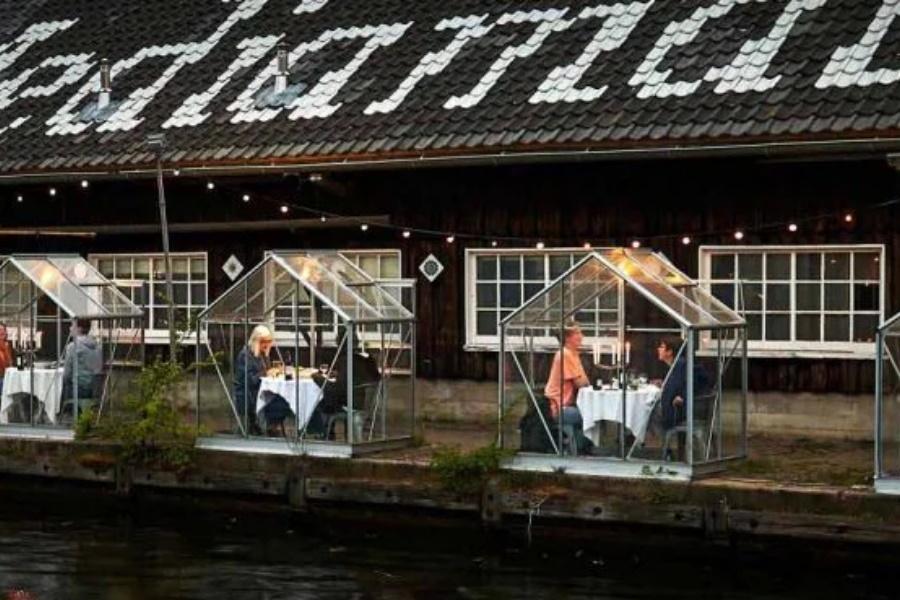 Restaurante na Holanda cria cabines individuais e tem reservas esgotadas