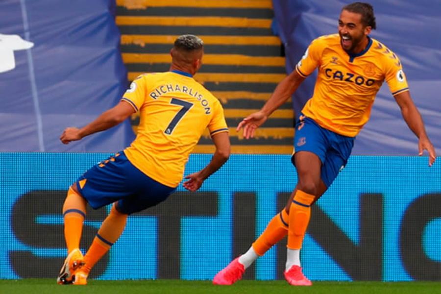 Everton segue imbatível na liga inglesa de futebol