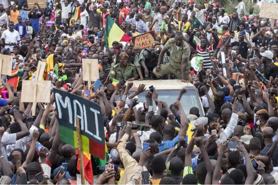 Mali sofre sanções