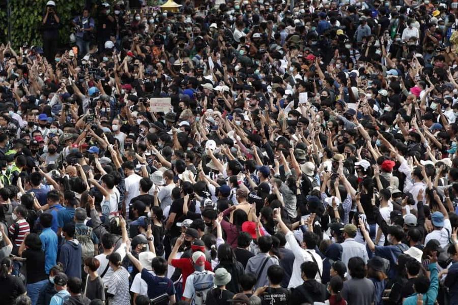 Governo decreta estado de emergência no palco de manifestações