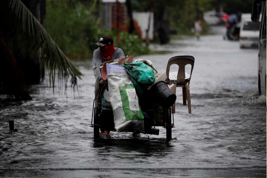 Tufão obriga a retirada de 30 mil pessoas nas Filipinas