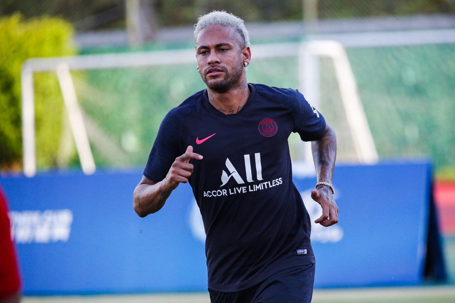 Neymar pretende renovar contrato