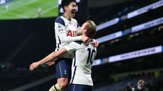 Tottenham vence o dérbi com o Arsenal e Mourinho é líder da Premier League