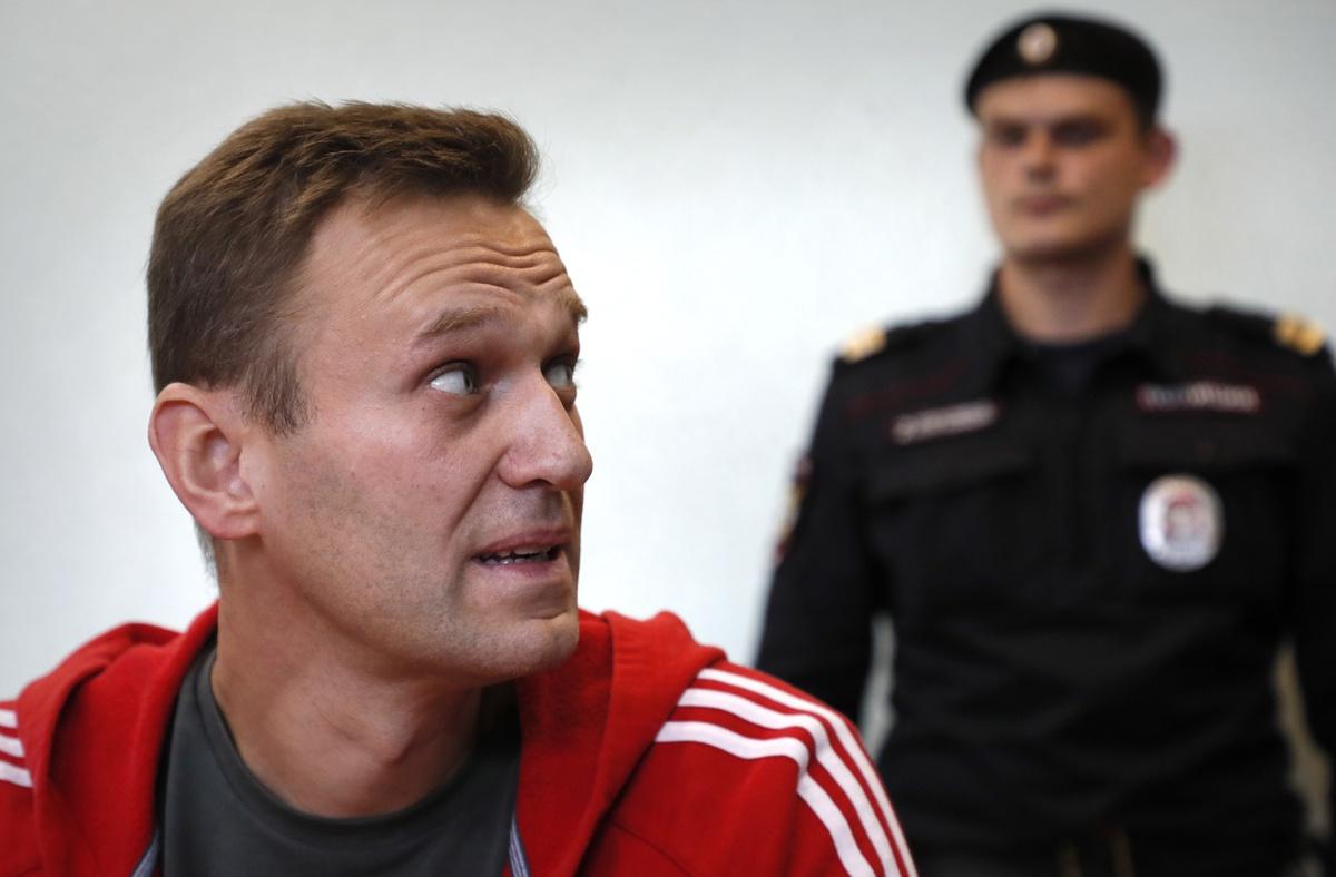"""União Europeia pede à Rússia que liberte """"imediatamente"""" opositor russo Alexei Navalny"""