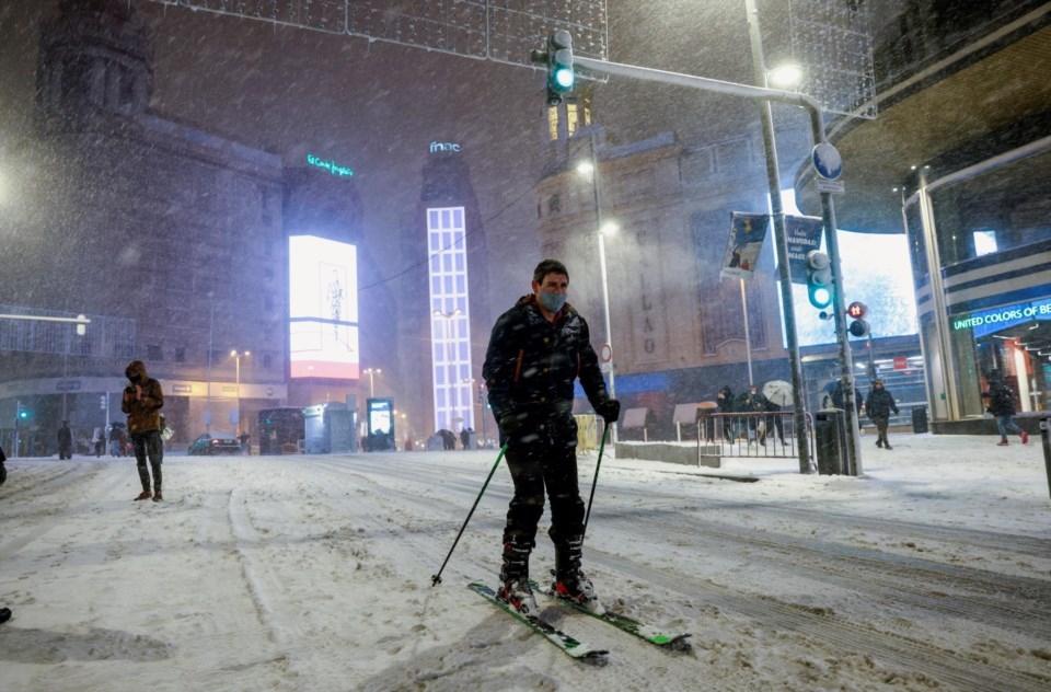 Espanha: maior nevão em décadas paralisa Madrid