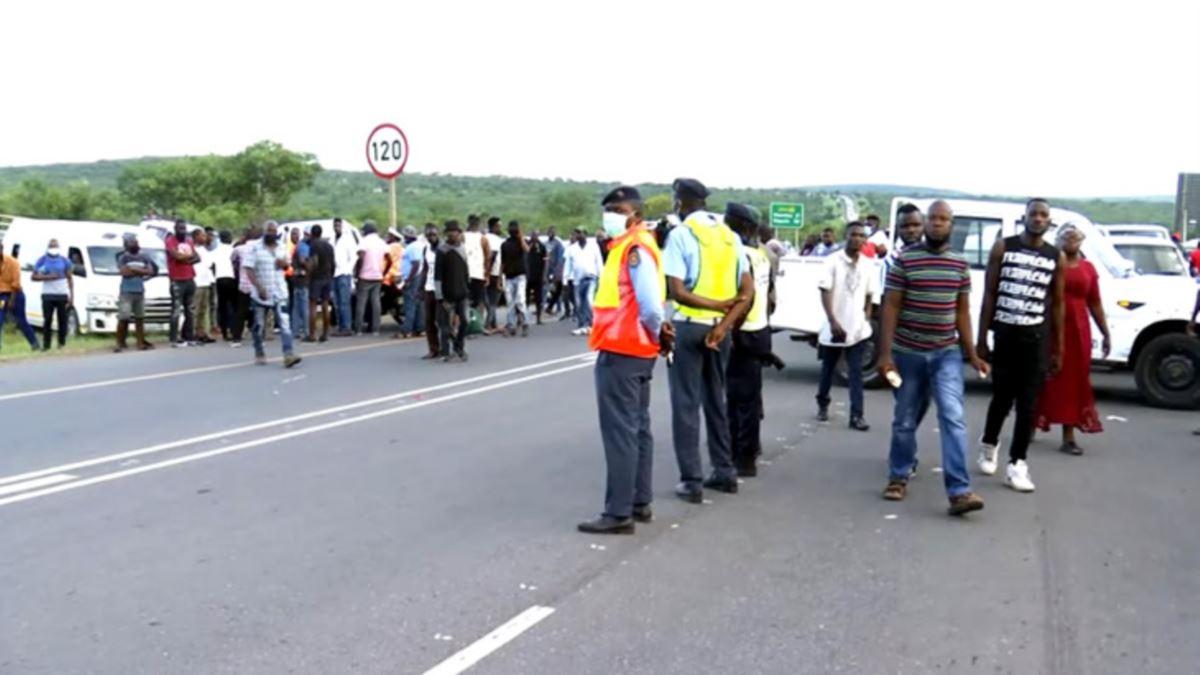 Restrições na África do Sul dificultam travessia na principal fronteira moçambicana
