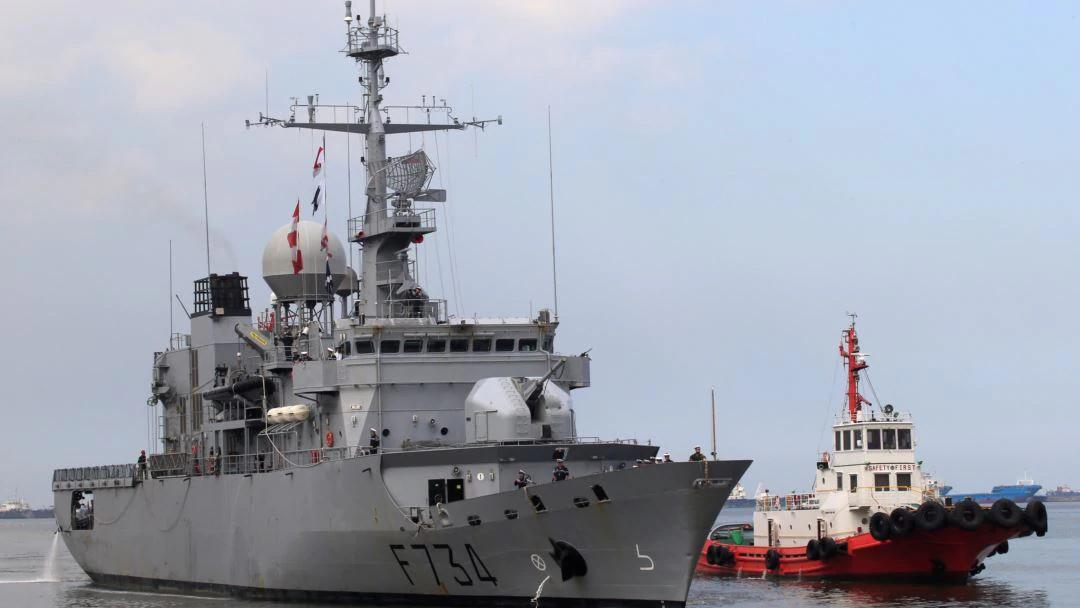 Fragata francesa apreende mais de 40 milhões de euros de metanfetaminas e heroína ao largo de Moçambique