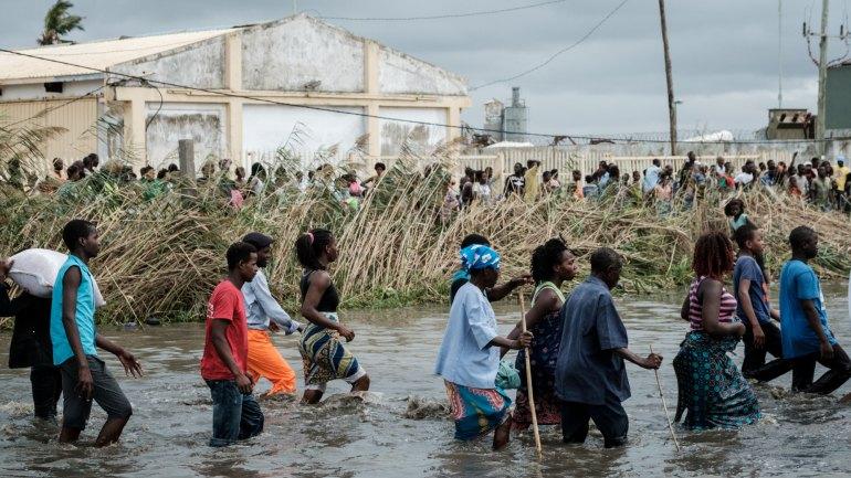 """""""Coincidência fatal"""" de época ciclónica e crise humanitária em Moçambique"""