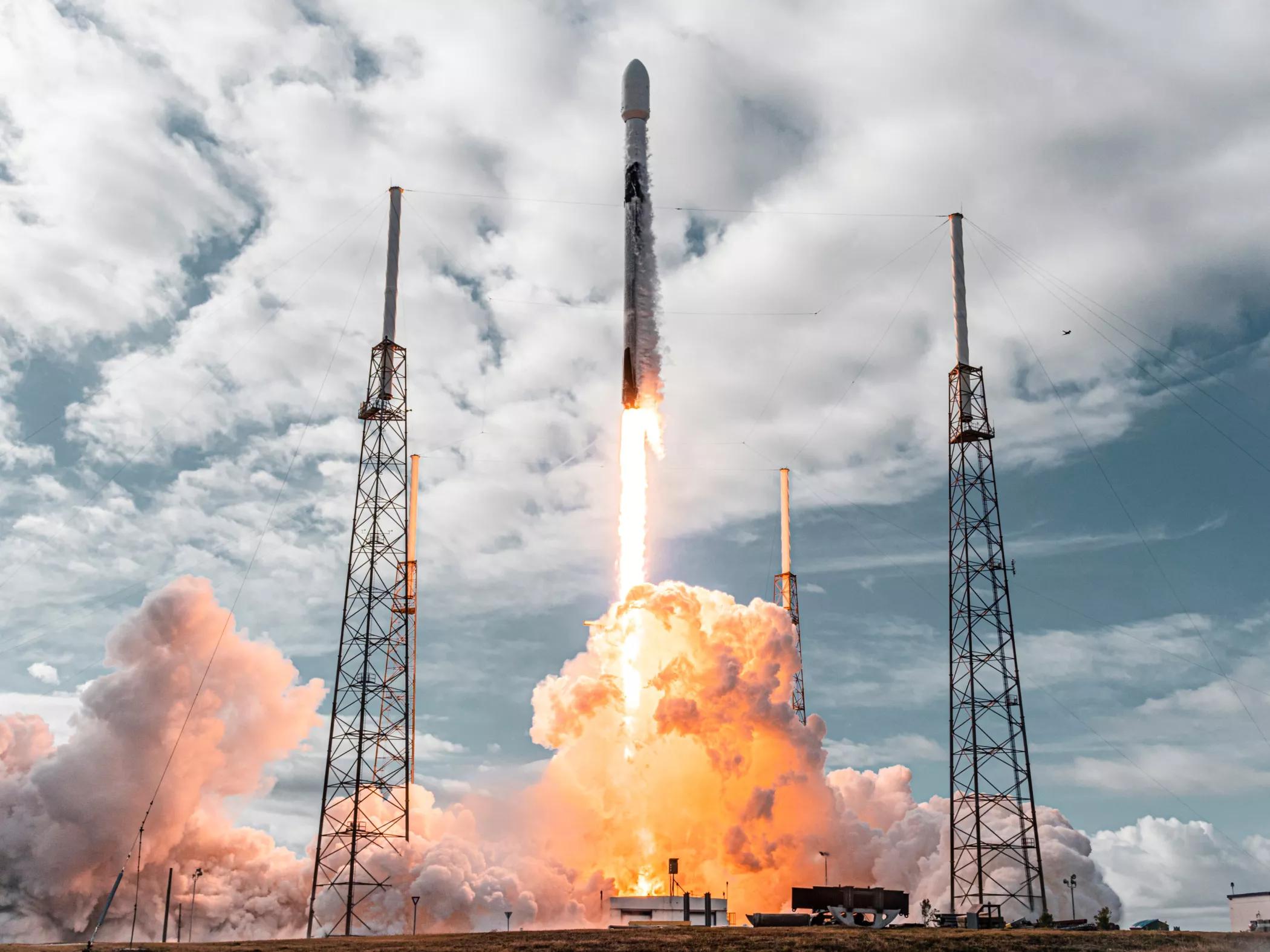 SPACE X: Transporter-1 conseguiu superar o marco alcançado pela Indian Space Research Organisation em 2017