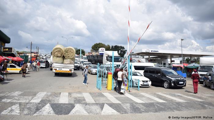África do Sul reabre 20 postos de fronteiras terrestres
