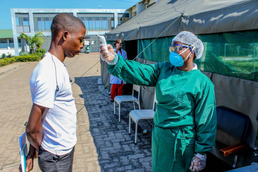 Moçambique regista mais quatro mortes e 949 novos casos