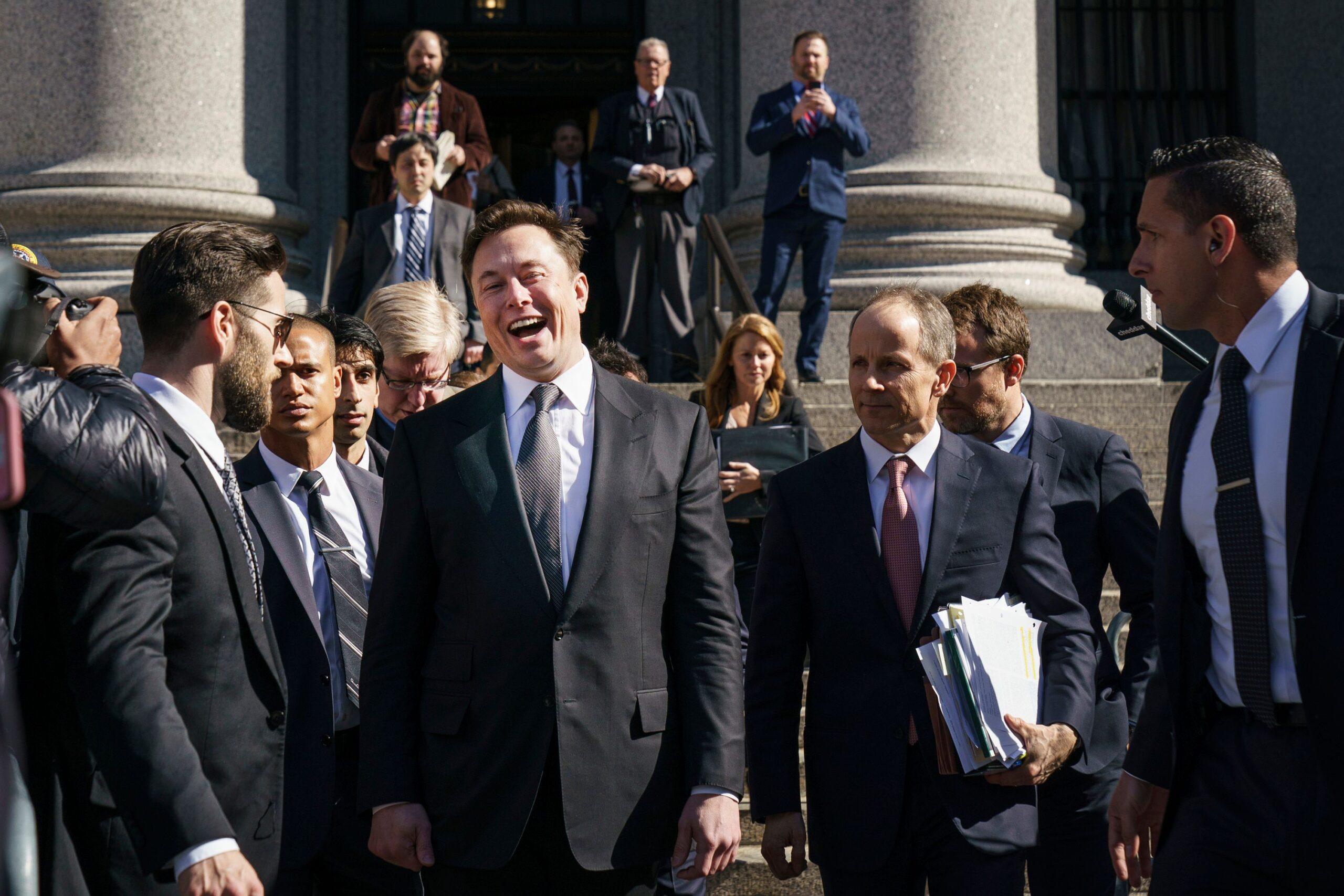 Elon Musk acusado de manipular mercado de criptomoedas