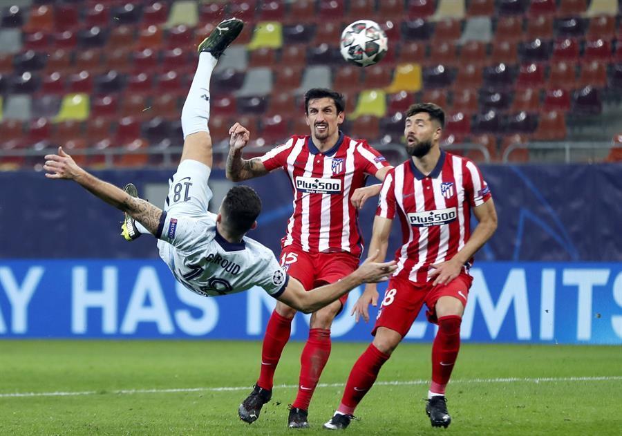 Lewandowski marca com oferta da Lazio