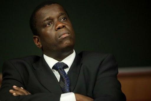 Daviz Simango transferido para África do Sul por problema de saúde