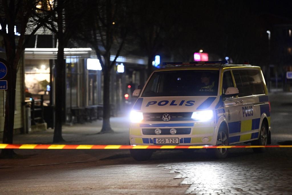 Oito feridos em esfaqueamento na Suécia. Autoridades não descartam atentado terrorista