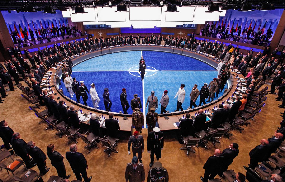 Em encontro, membros da Otan classificam China e Rússia como 'ameaças'