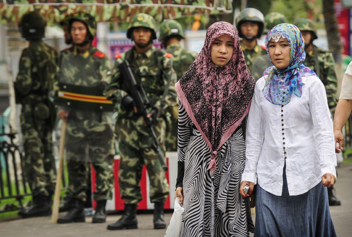 Um novo relatório aponta que China busca 'unificação étnica' com genocídio de uigures