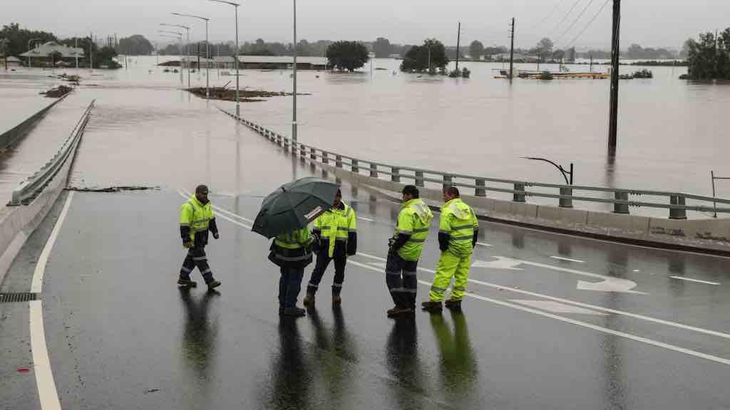 Austrália enfrenta as piores cheias dos últimos 50 anos