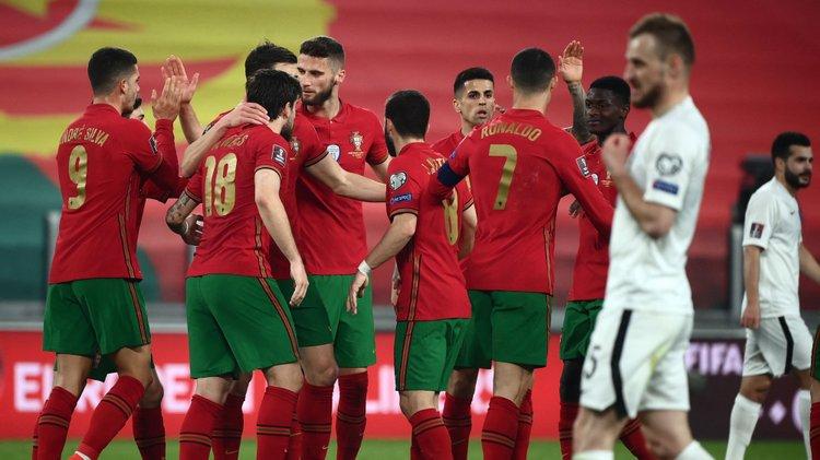 Portugal bate Azerbaijão a caminho do Mundial