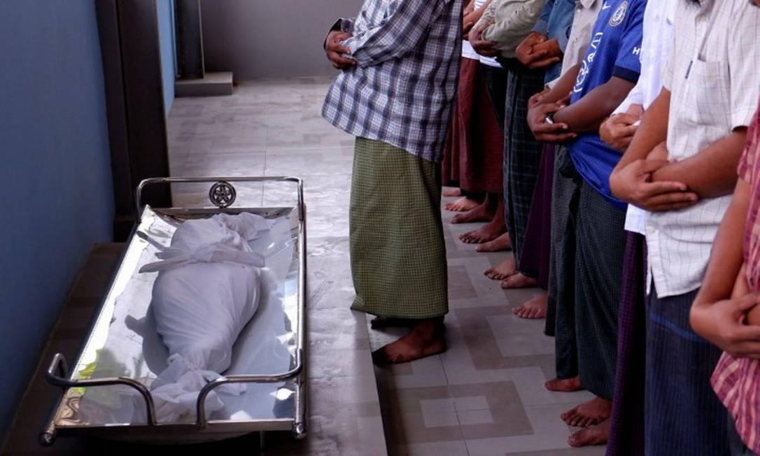 Criança baleada enquanto em Myanmar