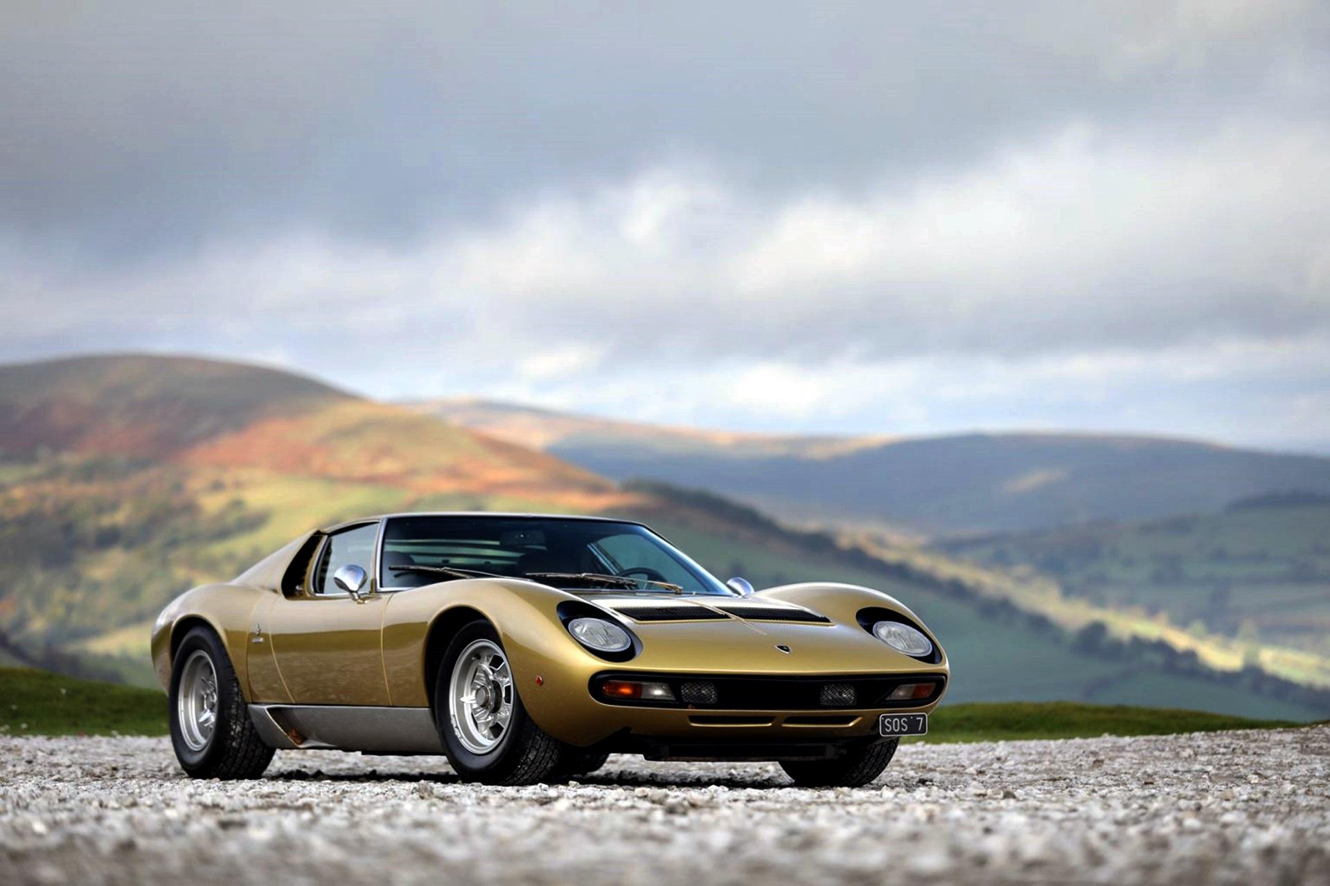 Lamborghini Miura SV celebra 50 anos