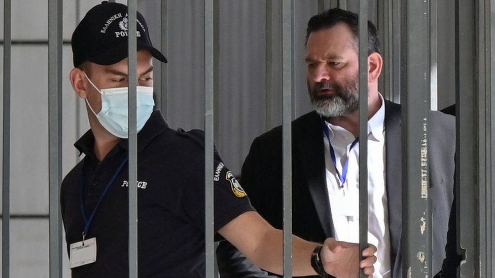 Eurodeputado grego ex-membro de partido neonazi detido em Bruxelas