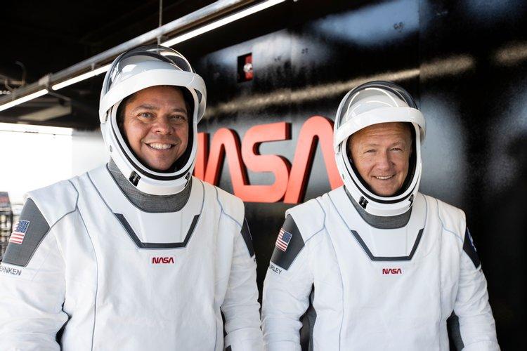 NASA escolheu SpaceX de Elon Musk para a próxima missão tripulada à Lua
