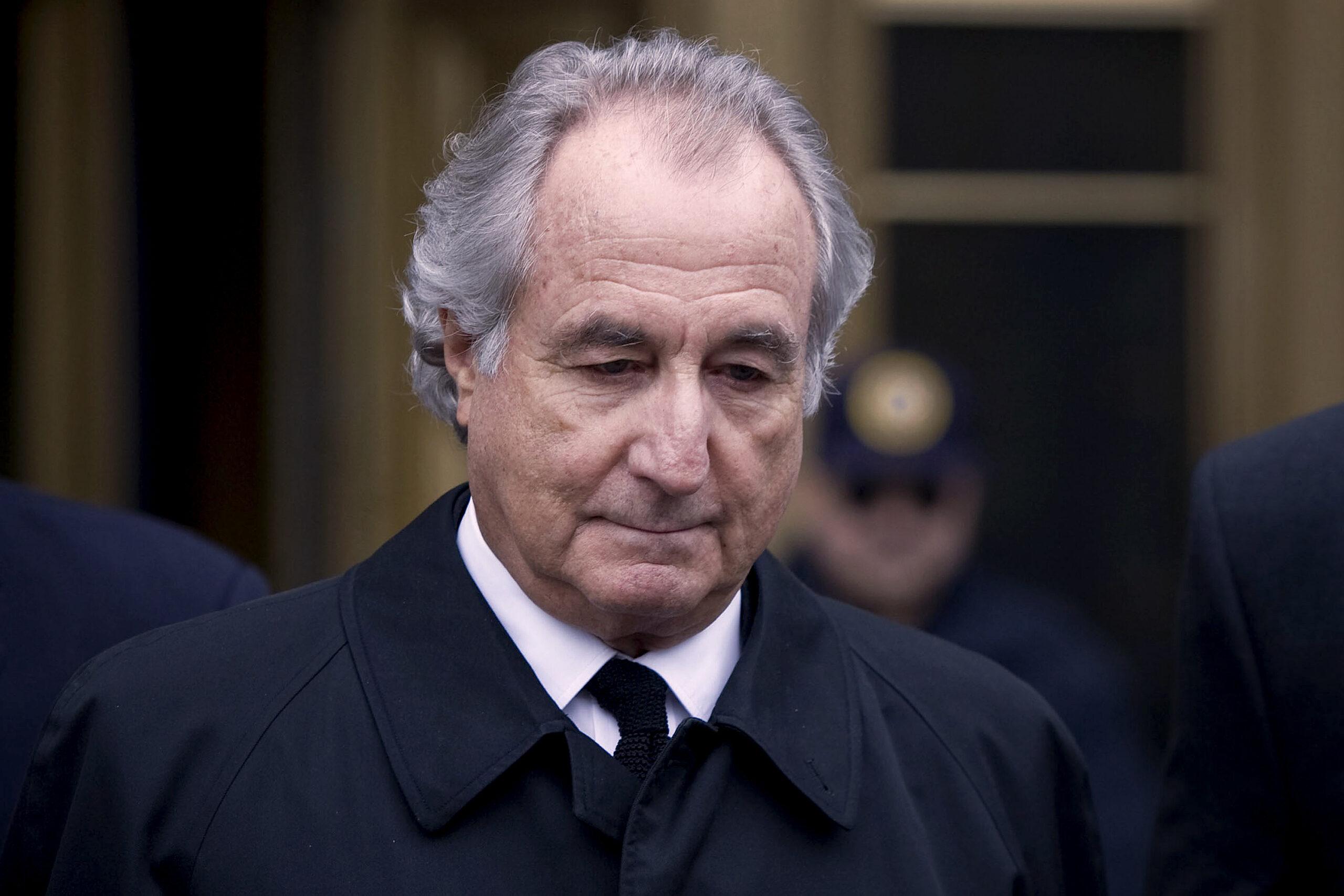 O maior vigarista da história, Bernard Madoff, morreu na prisão