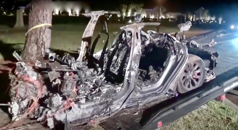 Duas pessoas morreram em acidente com carro da Tesla sem condutor