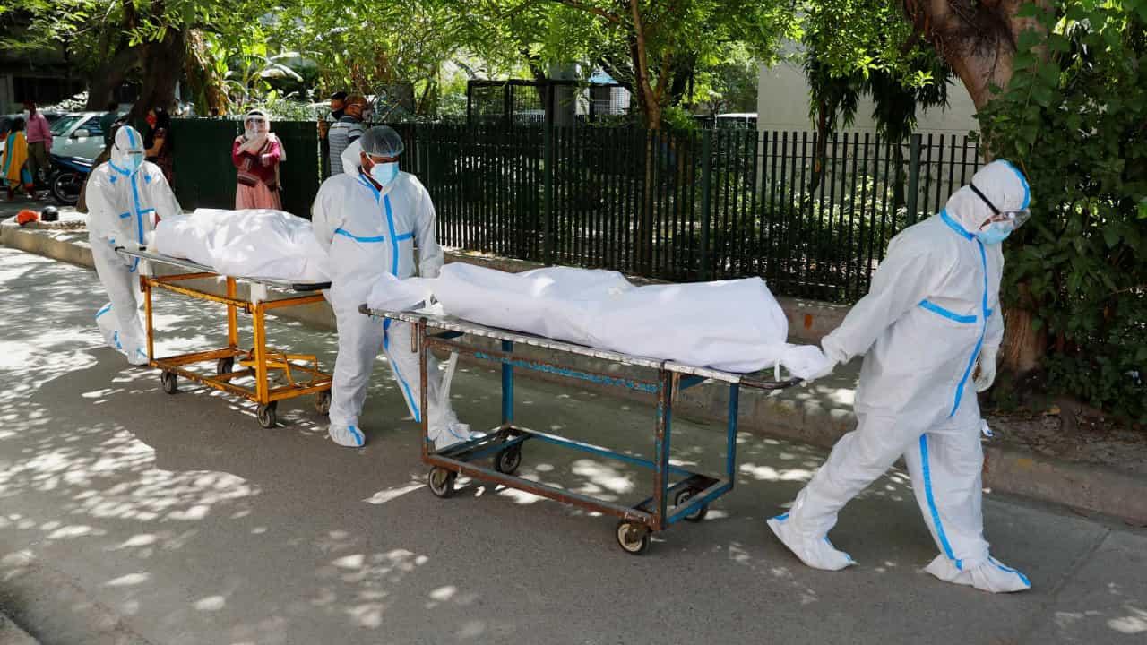 Índia ultrapassa 18 milhões de infeções após novo máximo diário.