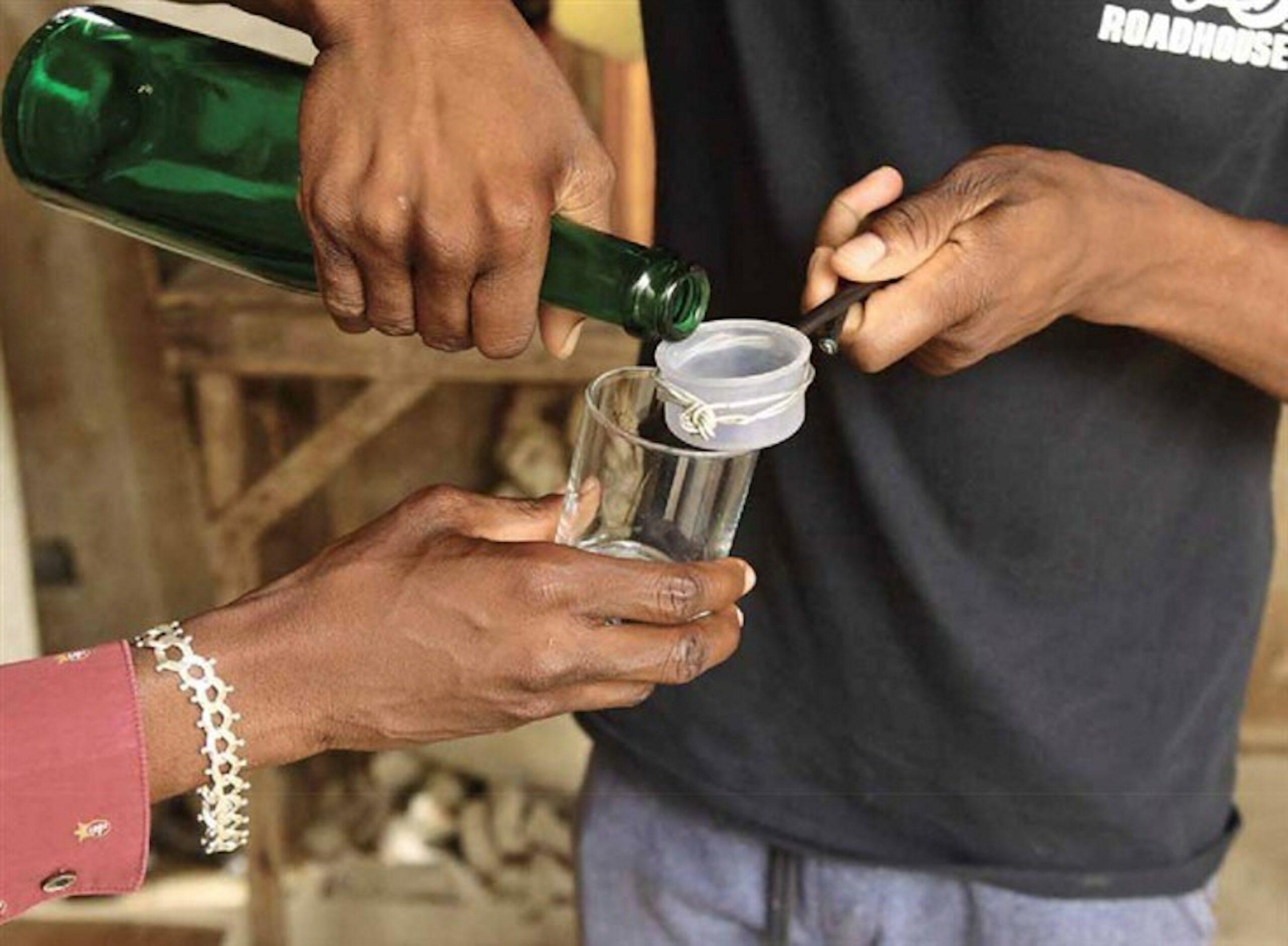 Bebida artesanal suspeita de causar morte de dez pessoas em Luanda