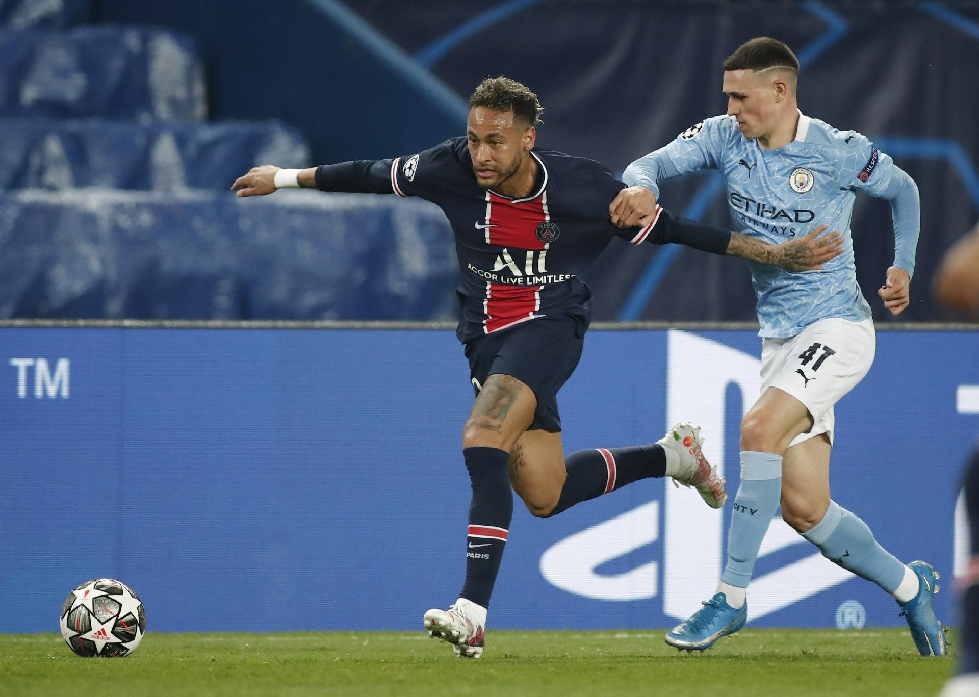 Manchester City dá a volta em Paris e tem um pé na final da Liga dos Campeões