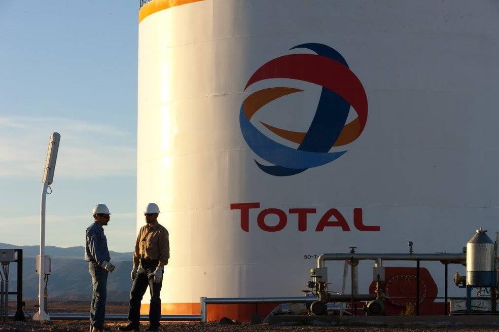 Petrolífera Total diz que projeto foi suspenso mas não está cancelado
